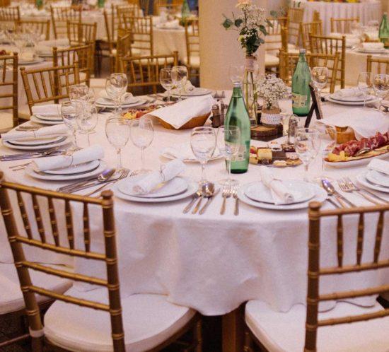 Najam-stolica-Tiffany-Chiavari-restoran-Sablic-3.jpg